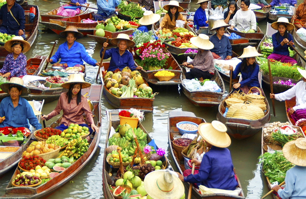 Floating Market Vinh Long_Vietnam